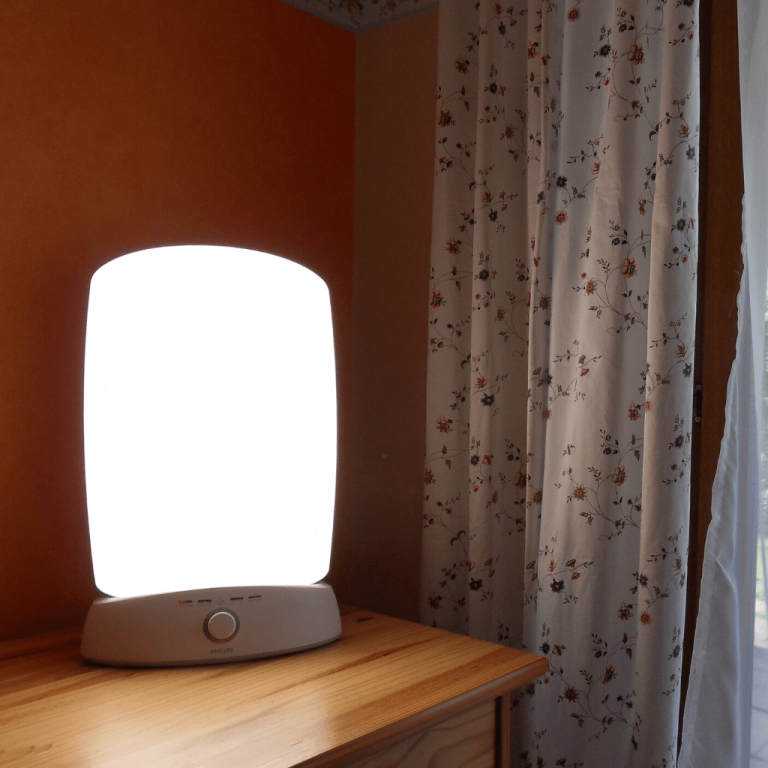 3 Reasons You Should Be Doing SAD Light Therapy